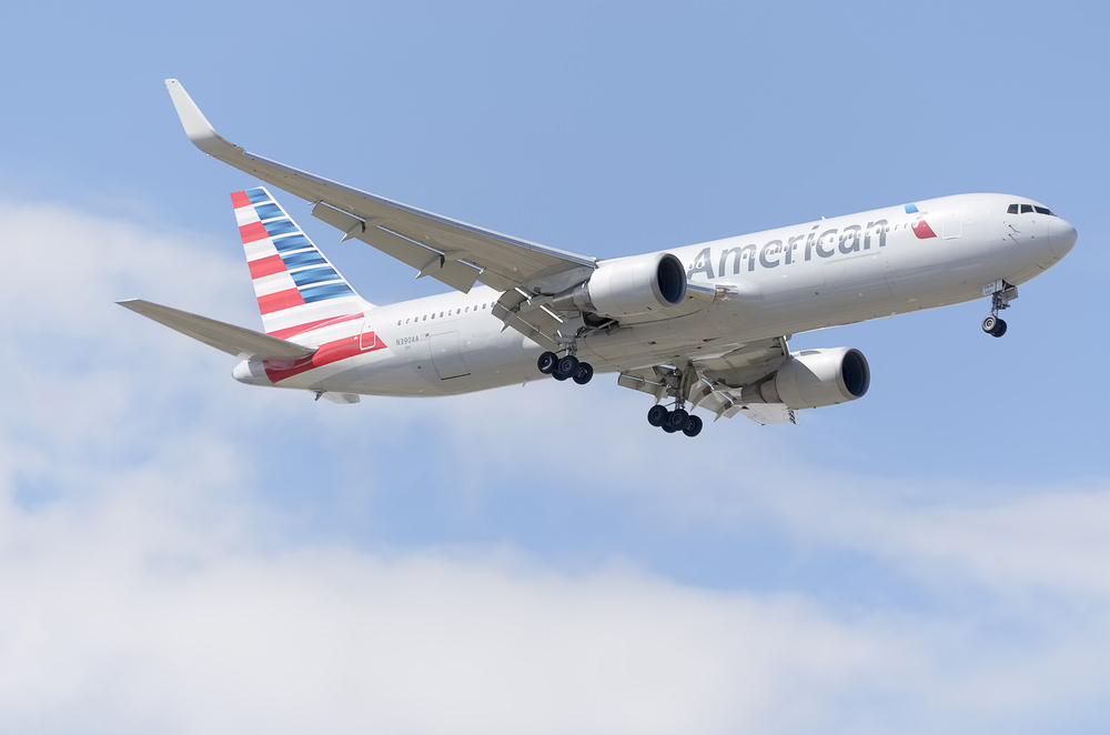 American Airlines: The First To Go Under (NASDAQ:AAL)