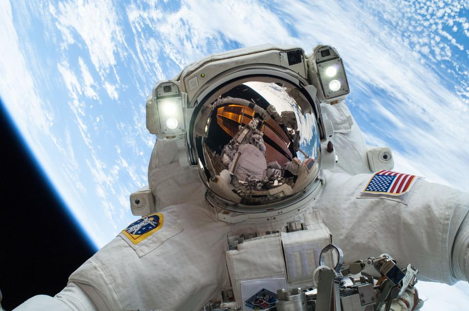 Space-Sector Investing Is Going Mainstream - Tech Investors Take Note